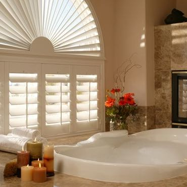 Cincinnati bathroom plantation shutters.