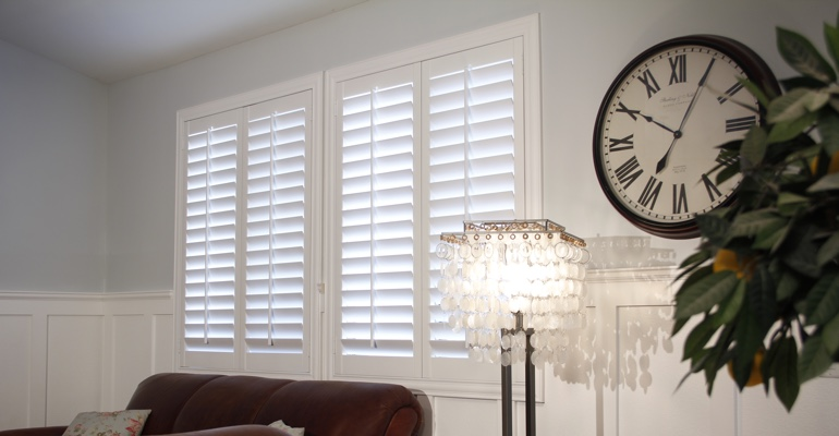 Cincinnati living room plantation shutters