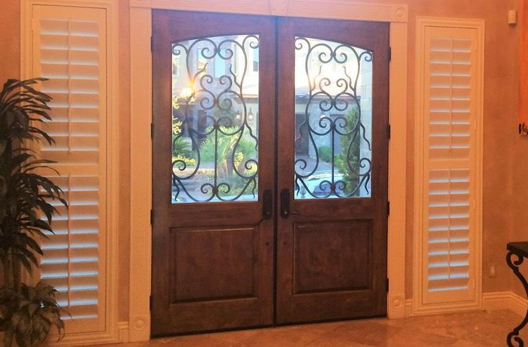 Sidelight window shutters in Cincinnati home